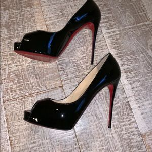 Christian Louboutin Very Prive 40.5 Black Pumps